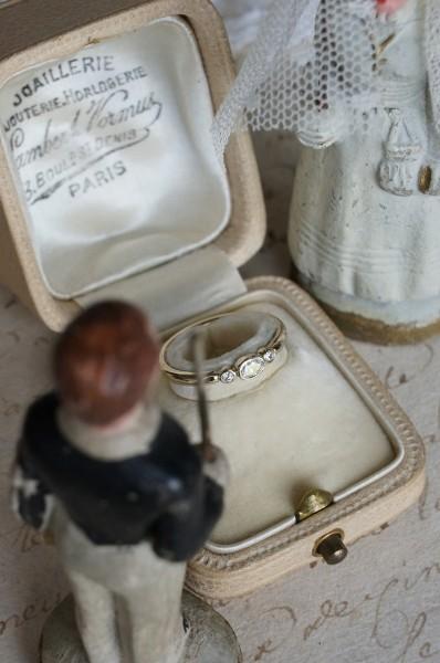お気に入りの煌めきを結婚指輪へ