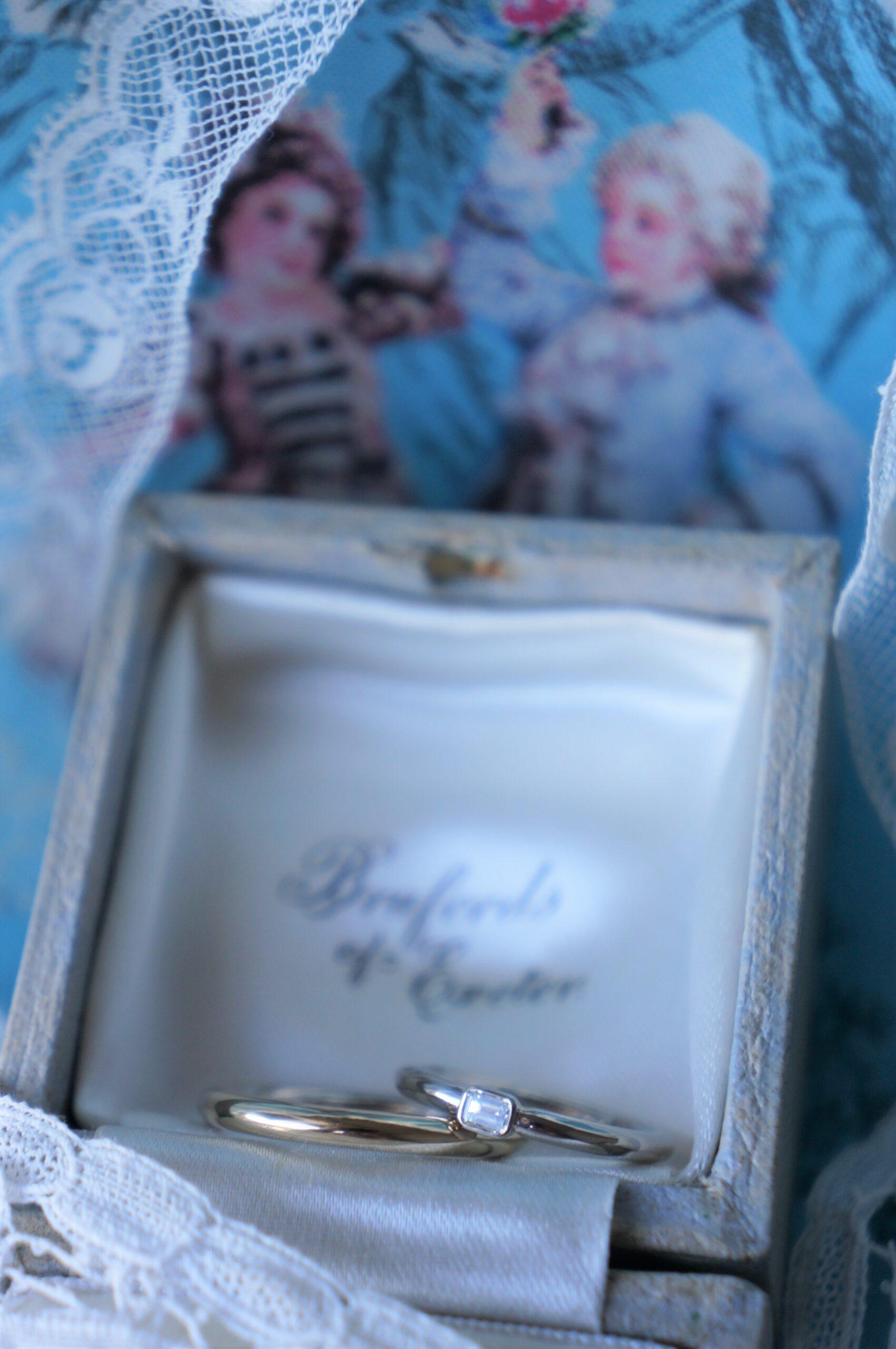 クールで愛らしい煌めきを一石♪ 結婚指輪