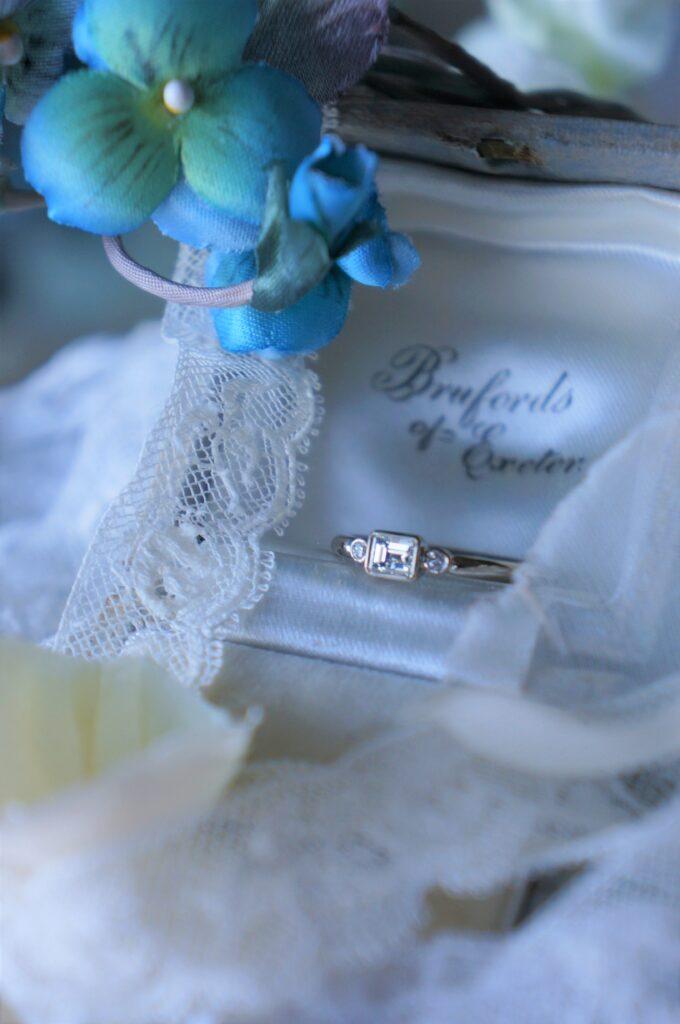 一点ものダイアモンドリングを結婚指輪にお選びいただきました♡