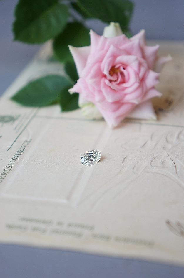 魅力あるダイアモンド 婚約指輪へとお仕立てさせていただきました♡