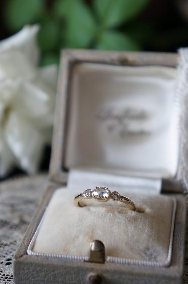 静かに煌めくローズカットダイアモンド 婚約指輪へお迎えいただきました♡