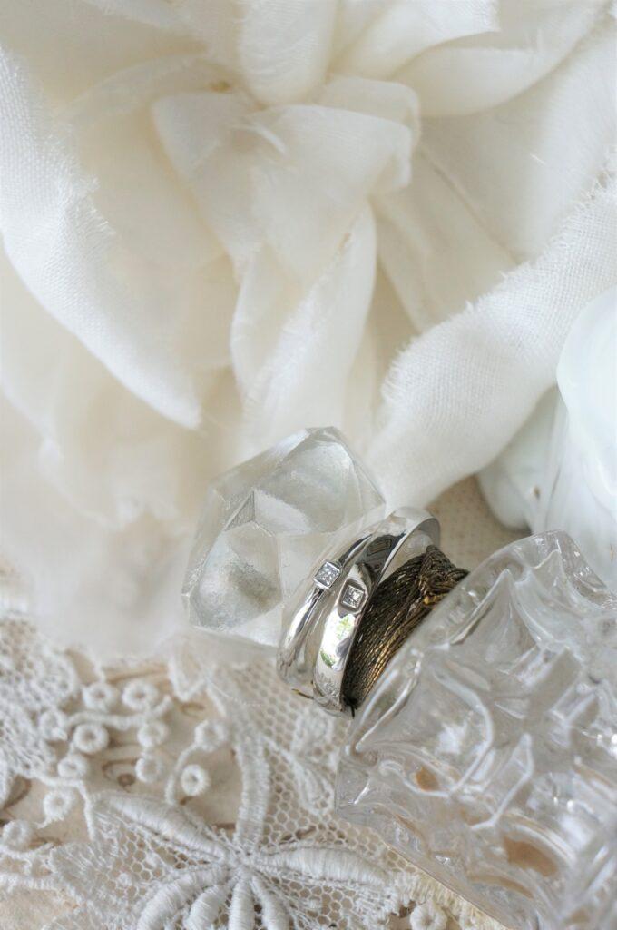プリンセスカットのダイアモンドをお揃いに♡ 結婚指輪
