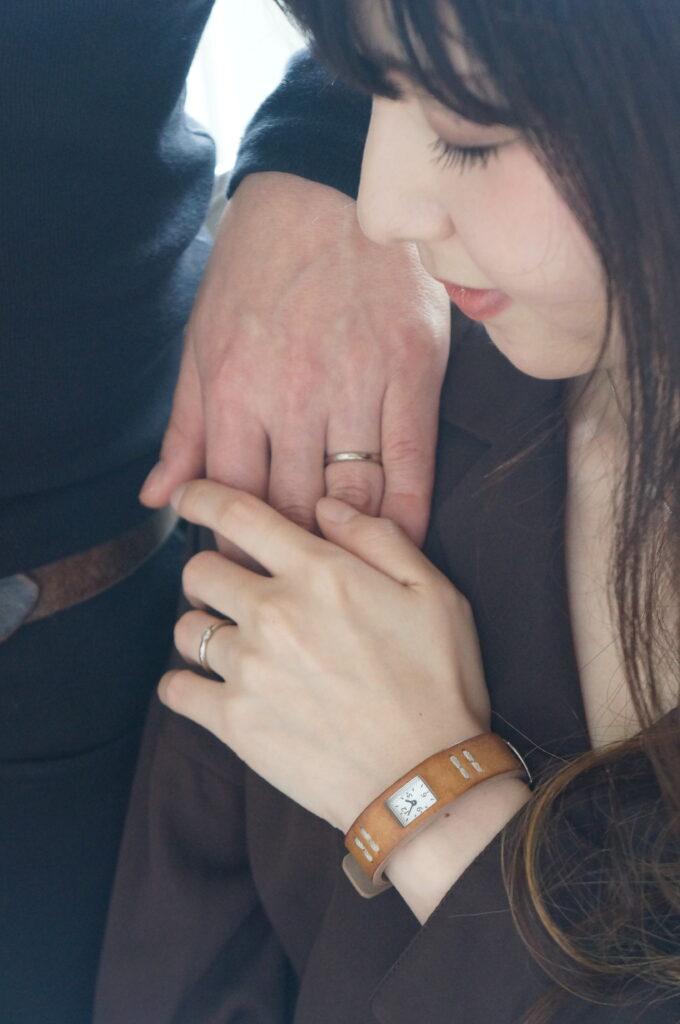お気に入りの煌めきで結婚指輪を