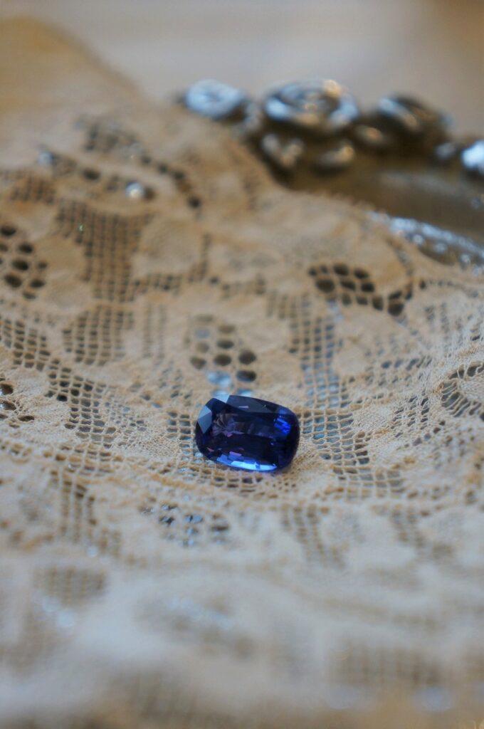 美しい青 トップカラーのタンザナイト オーダー品