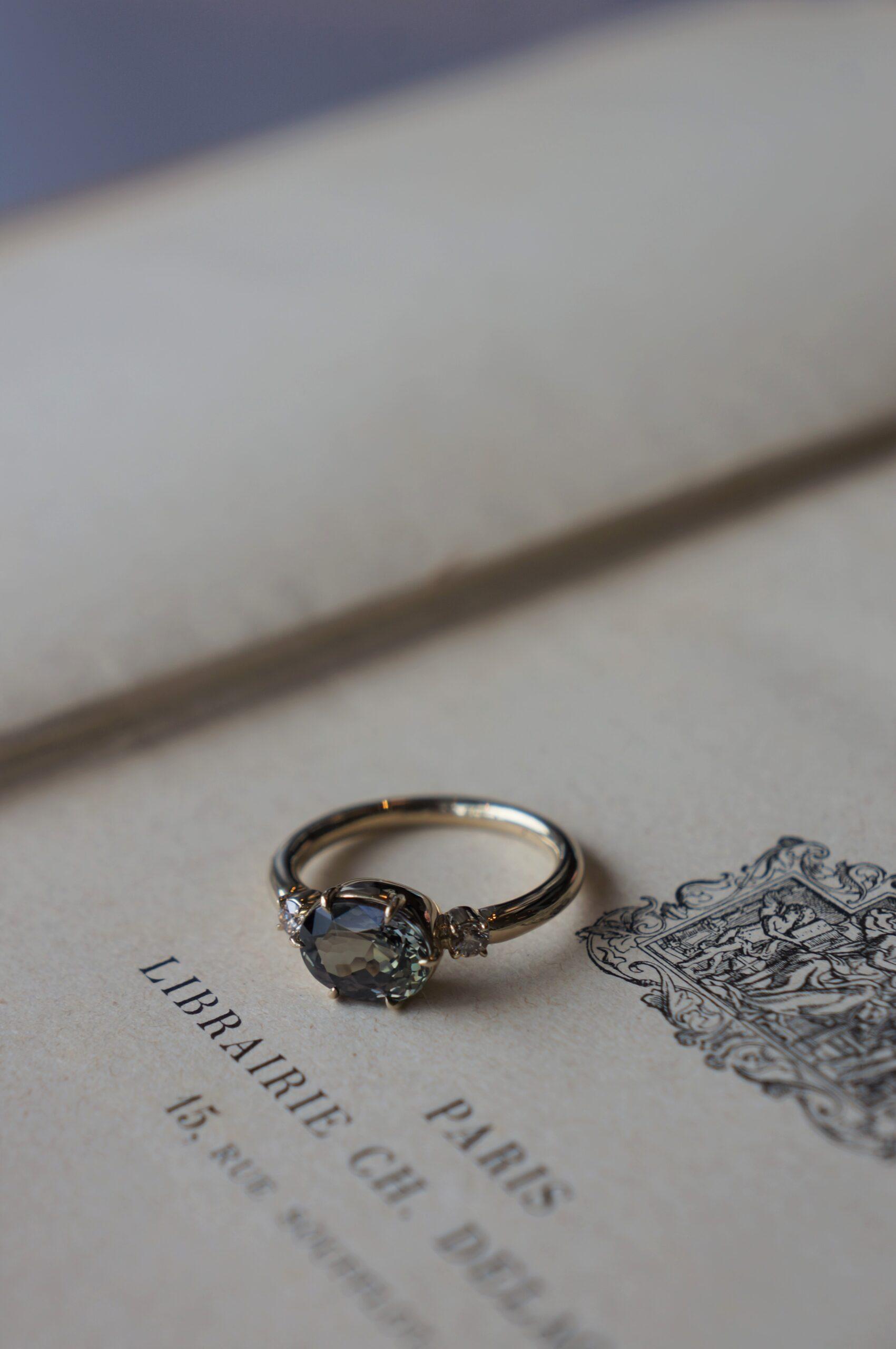 手仕事の器へと湛えられた美しき煌めき 一点ものリング お似合いの方のもとへ