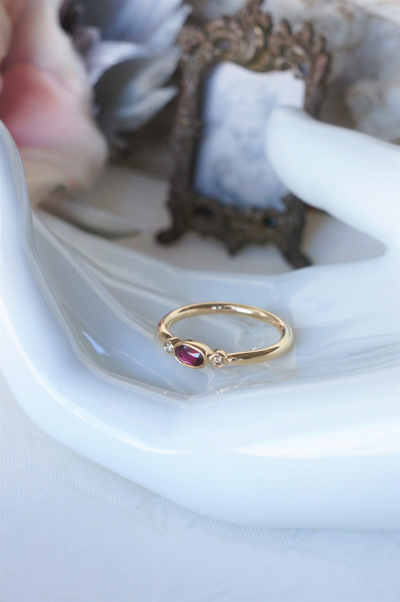 麗しい赤とブラウンダイアモンド 一点ものリング モザンビーク産非加熱ルビー