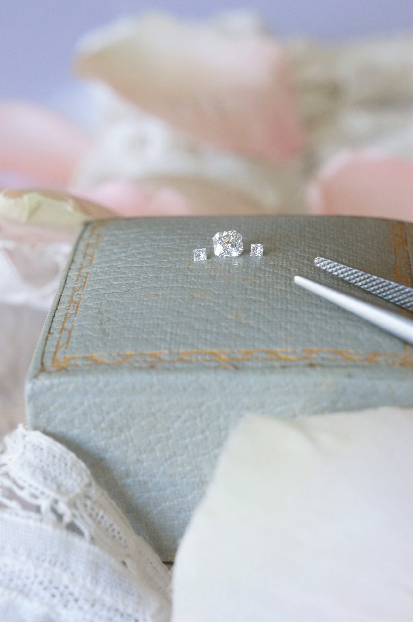 特別な美しい煌めきをならべて オーダーエンゲージリング婚約指輪